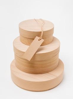 빈 태그와 나무 상자의 구성