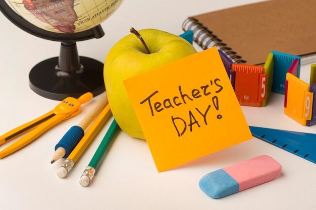 Composizione degli elementi della giornata dell'insegnante