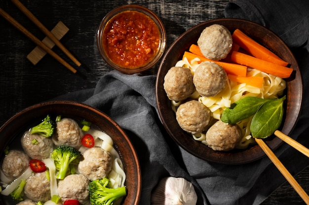 Composizione del tradizionale bakso indonesiano