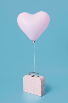 Композиция с милым сердечком на воздушном шаре