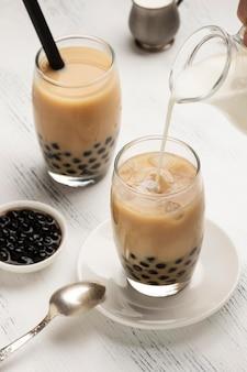 Композиция с вкусным традиционным тайским чаем