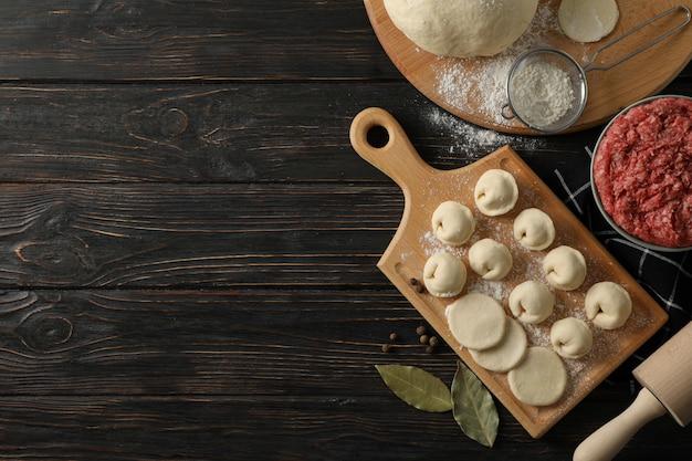 ミンチ肉と餃子の木の組成