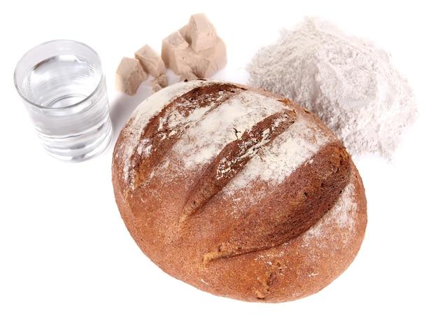 화이트에 호밀 빵으로 구성
