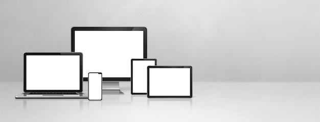 Компьютер, ноутбук, мобильный телефон и цифровой планшетный пк