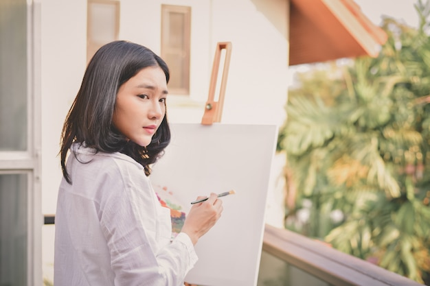 Concept artist beautiful girl. beautiful women are creating art.