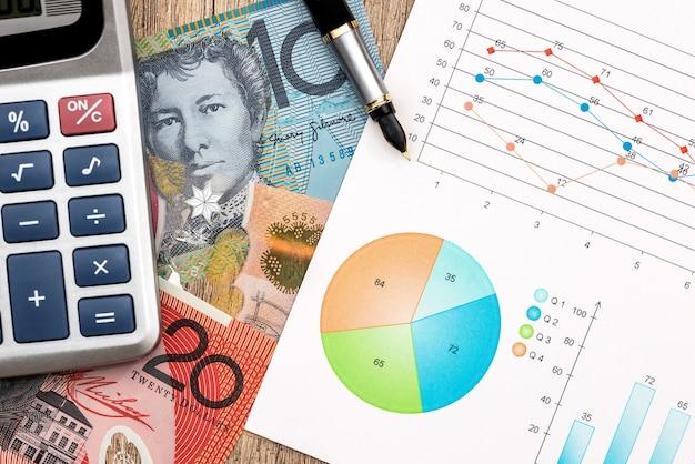 Концепция, австралийский доллар графа ручка калькулятора крупным планом