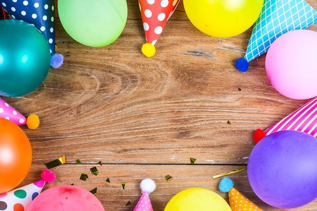 흰색 배경 평면도 패턴 개념 생일 파티