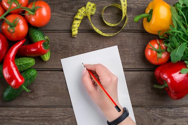 Концептуальный план похудения диеты с овощами сверху макет