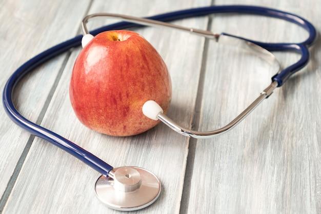 ダイエット、ヘルスケア、栄養または医療保険のコンセプト