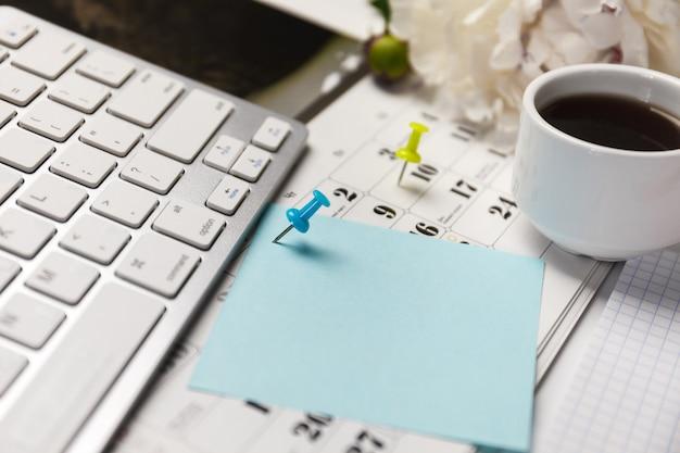 Концепция для планировщика событий занята или планирование.