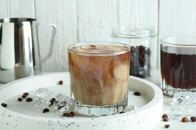 アイスコーヒーの調理の概念、クローズアップ