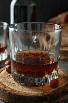 コニャックとハードアルコール飲料の概念