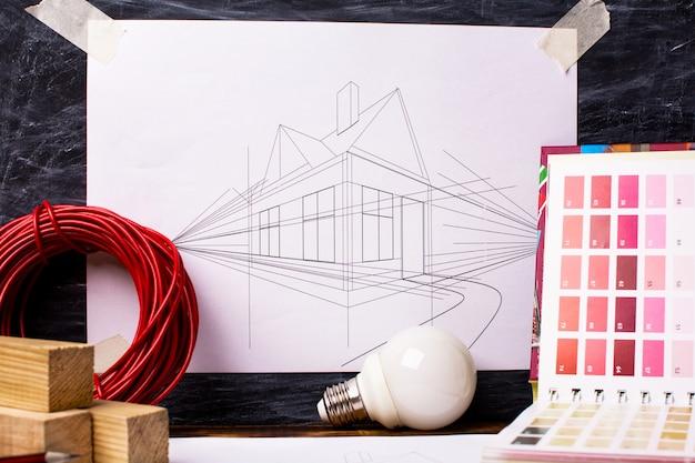 多数の作業ツールを備えた住宅改修の概念