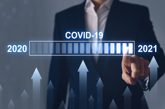 2020 년 대비 2021 년 코로나 19 유행 사례 증가 개념. 경제 위기와 코로나 19 이후 시대