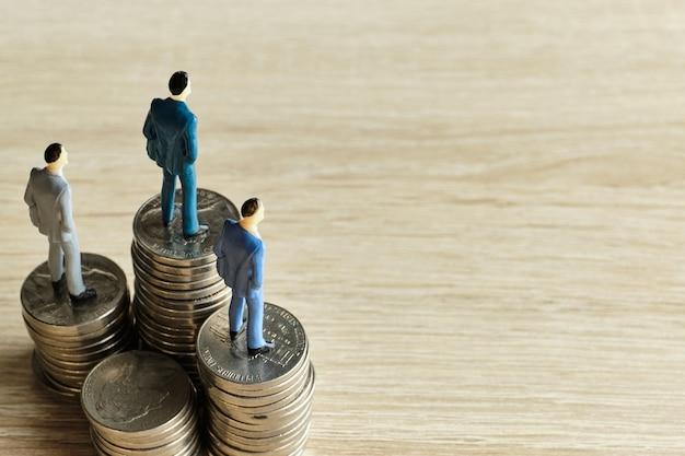 Понятие руководителей и учредителей фирмы с капиталом.