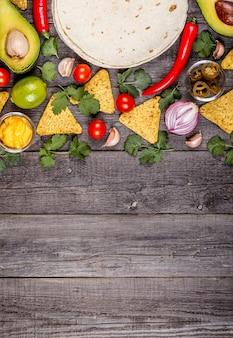 Концепция мексиканской еды копией пространства вид сверху