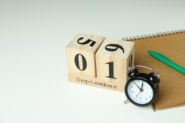 Концепция 1 сентября на белом фоне