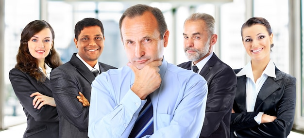 사업가 그룹과의 팀워크 및 파트너십의 개념