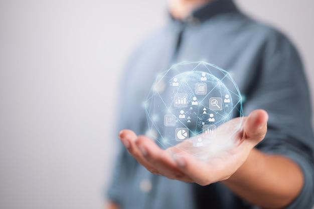 Концепции аналитики больших данных и бизнес-аналитики. обслуживание клиентов по всему миру.