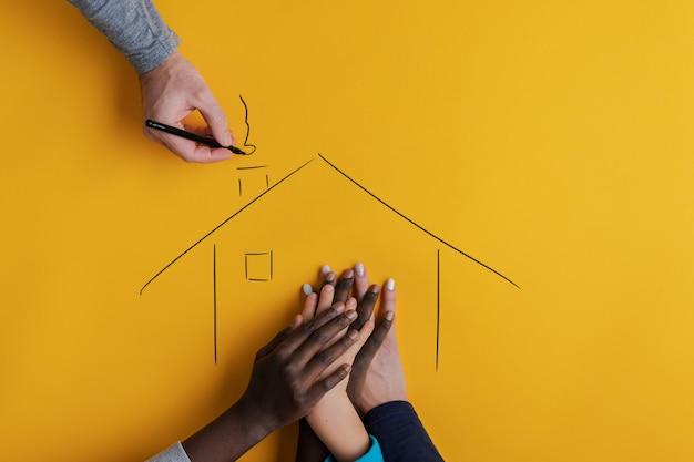 家族と養子縁組の概念図。