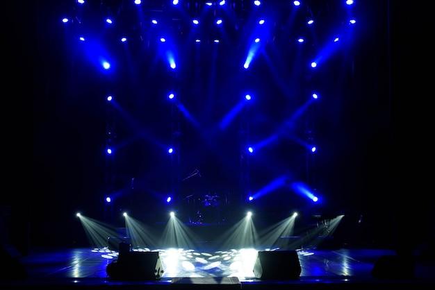 コンサートライトショー、カラフルな舞台照明、コンサートでのライトショー。