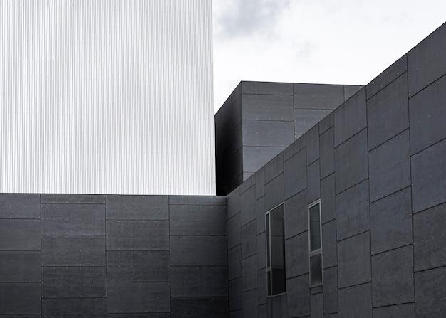 Struttura in cemento armato della città con copia spazio