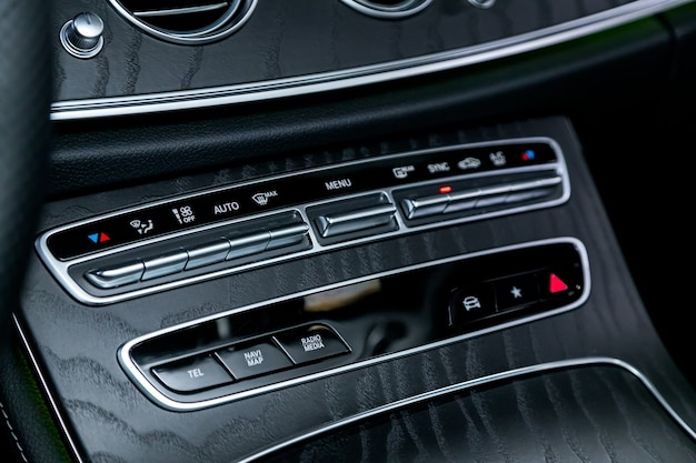 現代の車のコンディショナーと空気の流れの制御