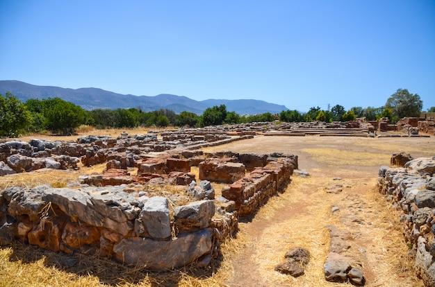 クレタ島での発掘調査