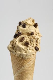 コーヒーとコーンアイスクリーム