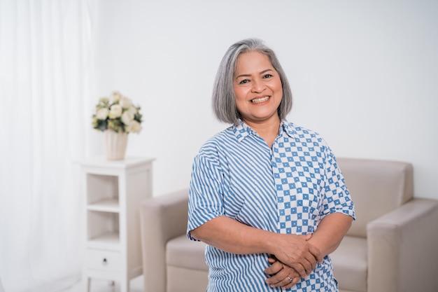 Confident woman entrepreneurs standing