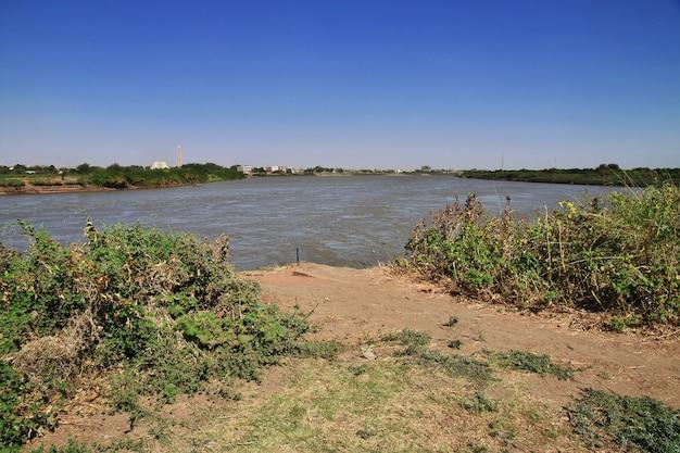 Слияние рек белого и голубого нила