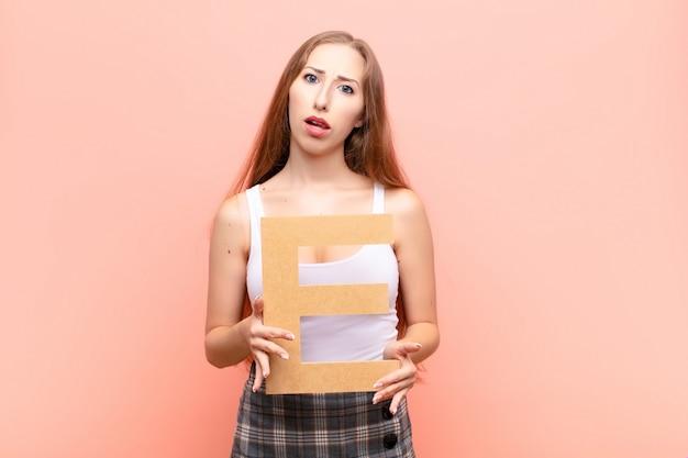 девушка модель работы букв
