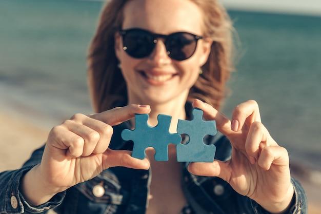 Connect puzzle pieces