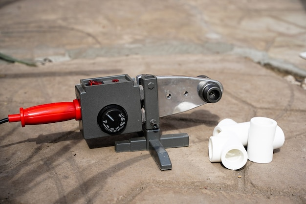 Соединение труб плавлением на аппарате для сварки пластиковых труб