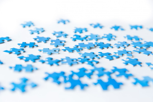Connecting piece jigsaw puzzle