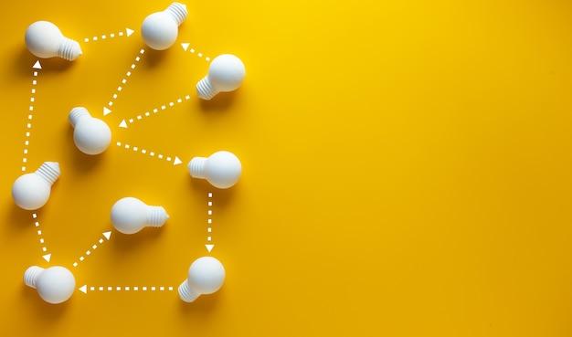Lightbulb.business communication.coppy 공간과 팀워크 개념의 연결