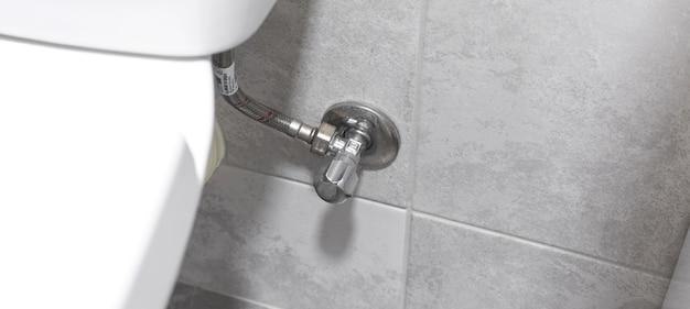 パイプとの接続トイレパン、モダンなトイレ設置コンセプト写真