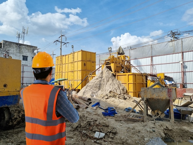 드릴링 파일의 건설 현장 지역 산업 기계에 건설 제어 엔지니어 크레인