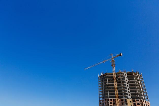 건설 크레인 및 새 고층 주택 건설