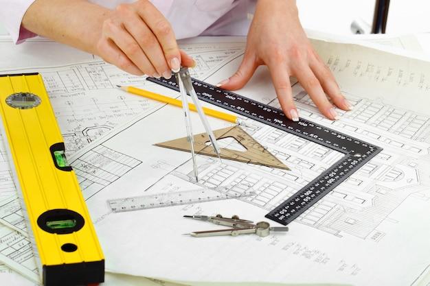 건축 도면 및 테이블 도구