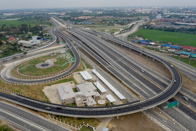 Construction expressway connections for transportation and logistics business