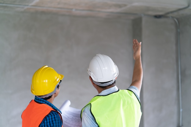 Construction  , foreman officer inspector defect about engineer&architect work home building before complete project