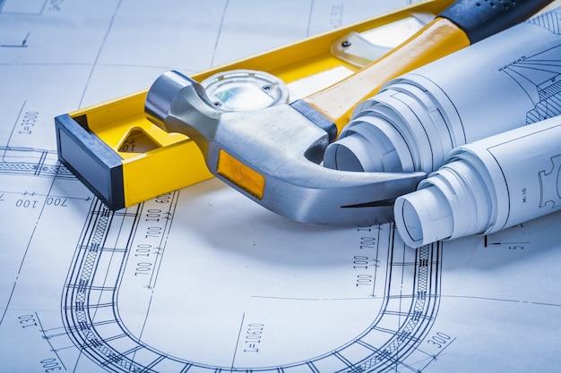 建設レベルのクローハンマーと青写真