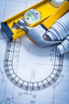 青写真の建物と建築コンセプトの建設レベルのクローハンマーセット