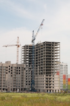 Construction of a multi-storey residential building
