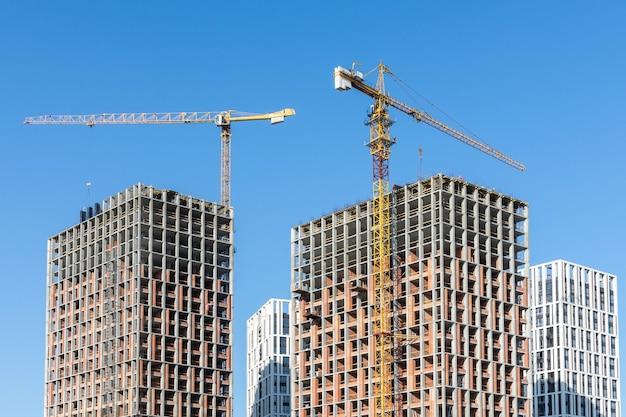 Строительство жилых домов, новых многоэтажных домов в киеве, столице украины.
