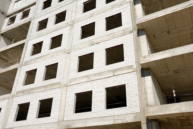 Construction of office building from glass and concrete
