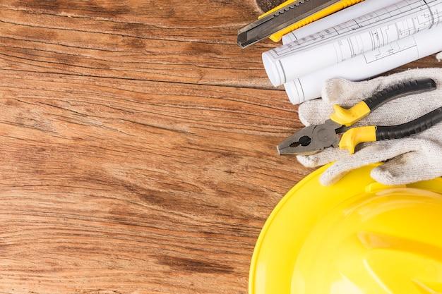 Планирование строительства с использованием строительных чертежей и аксессуаров