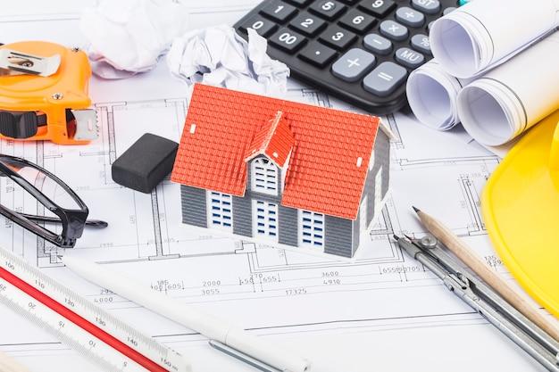 건축 도면 및 액세서리를 사용한 건축 계획