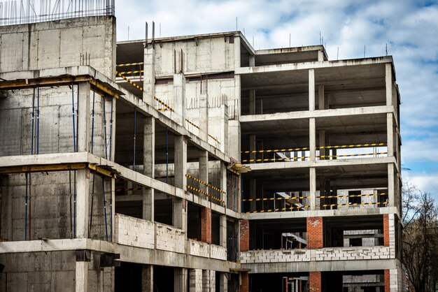 建物の建設現場